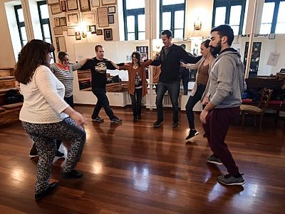 The Zorba Inside Me Small Group Tour: Greek Dance Lesson and Dinner