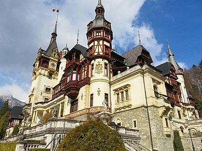 Three Castle Private Tour (Bran Castle, Rasnov Fortress and Peles Castle)