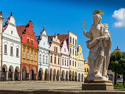 Cesky Krumlov by Private Transfer with a Stop in Telc
