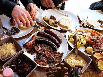 Culinary Walk: Food and Wine Tasting Small Group Tour