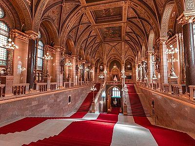 Hungarian Parliament Group Tour