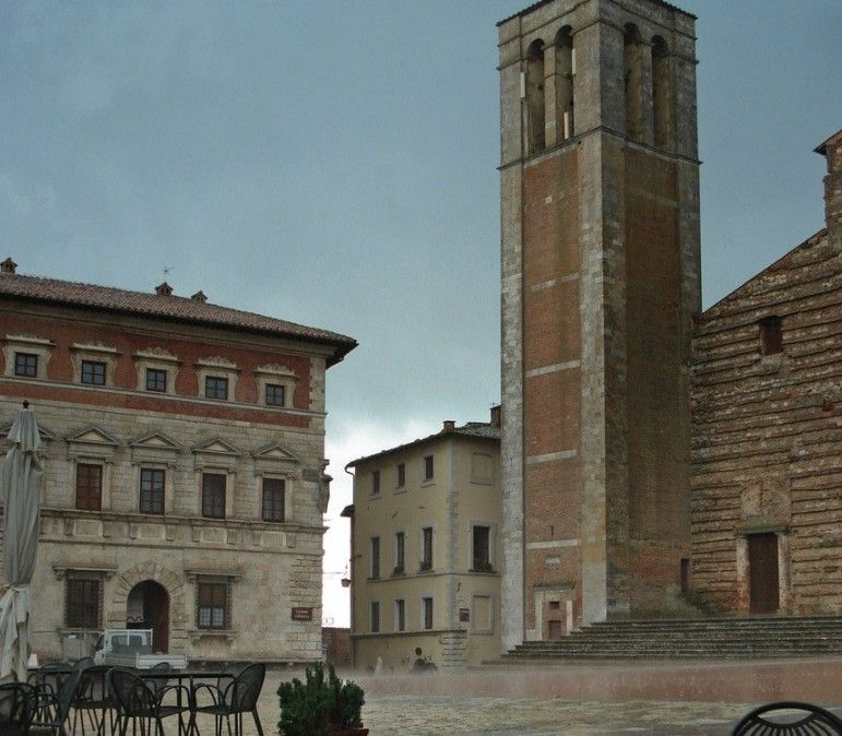 Val d'Orcia Private Day Trip: Montalcino, Montepulciano and Pienza from Trequanda