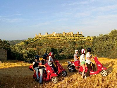 Vespa and Chianti Small Group Tour