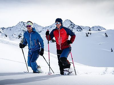 Private Zugspitze Snowshoe Hiking Tour