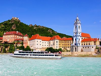 Vienna by Private Transfer with a Wachau Valley Stop