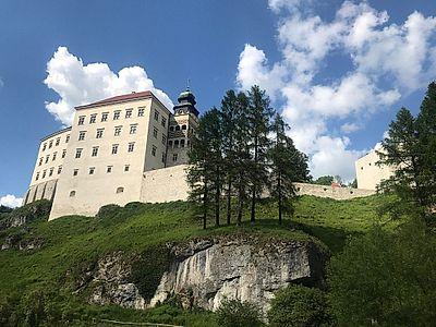 Ojcow National Park and Ogrodzieniec Castle Private Tour