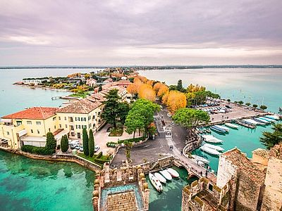 Upgrade to Venice by Private Transfer with a stop in Sirmione or Verona