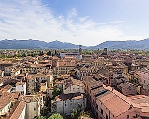 2 Nights in Lucca