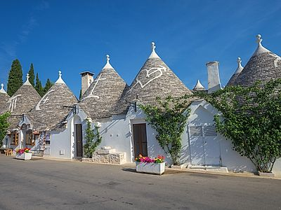 Alberobello and Polignano a Mare Private Excursion