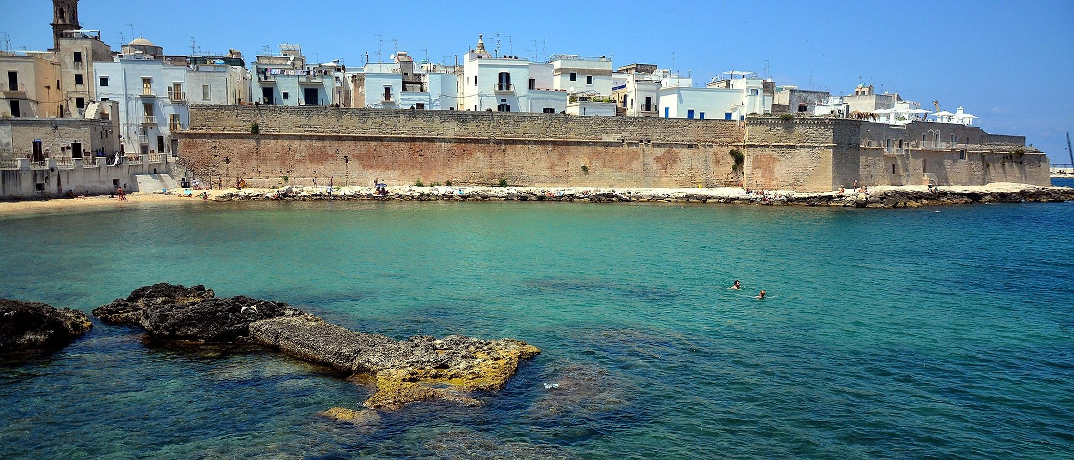 Monopoli travel packages