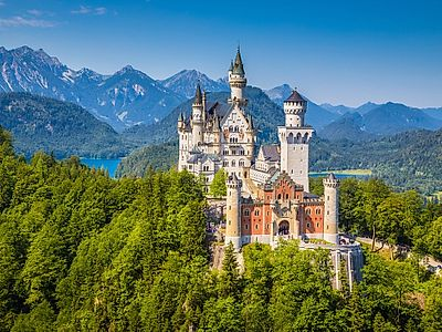 Upgrade to Salzburg by Private Transfer with a Stop at Neuschwanstein Castle