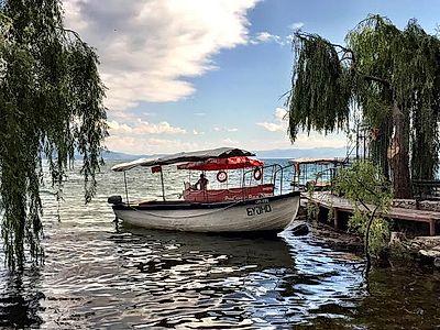 Private Boat Lake Cruise