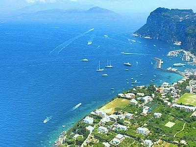 Small Group Boat Excursion to Capri with Private Transfers from Positano
