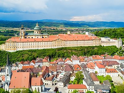 Upgrade to (FOR PRIVATE GROUP) Vienna by Private Transfer with a Stop at the Wachau Valley