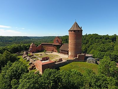 Tallinn by Private Transfer with Turaida and Cesis Castle Stops