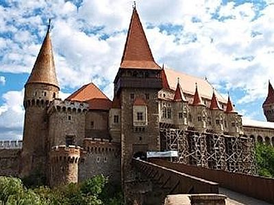 Sibiu Private Walking & Corvin Castle Tour