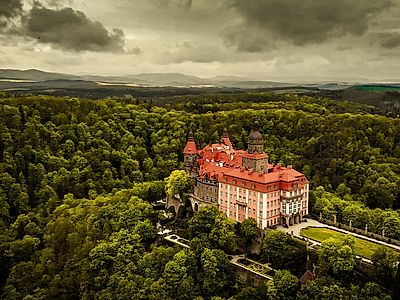 Upgrade to Poznan by Private Transfer with Stops in Ksiaz Castle and Swidnica Church