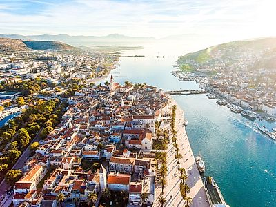 Split by Private Transfer with Klis and Trogir Stops, and Stelle Croatica Tasting