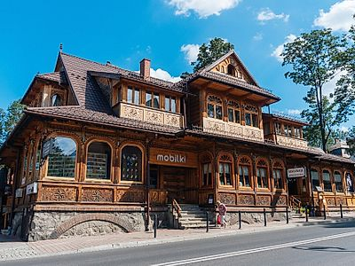 Zakopane Private Walking Tour with Gubalowka Funicular Ride and Oscypek Cheese Tasting