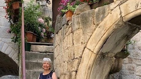 Review by Maureen & Genrik